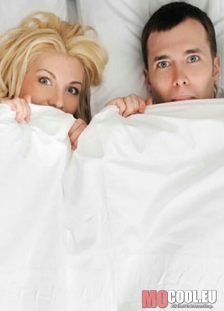 русская жена блонда трахается с другом мужа