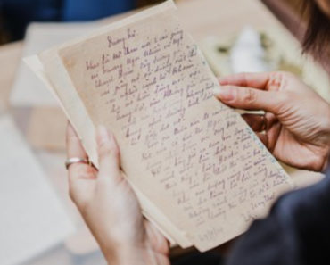 Levelet kapott fiától miután elvált zsarnok apjától – Komoly szavakat fogalmazott meg